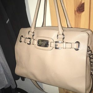 Michael Kors bag tan with shoulder strap